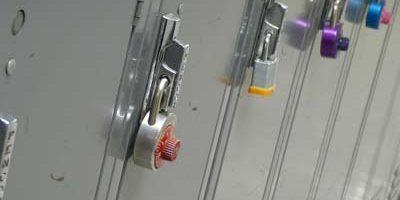 Réparation de serrures de haute sécurité réparation ou toute installation de verrouillage.